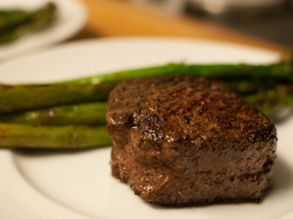 Filet Mignon with Asparagus Spears
